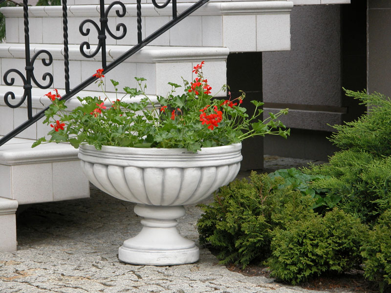 Уличные вазы для цветов